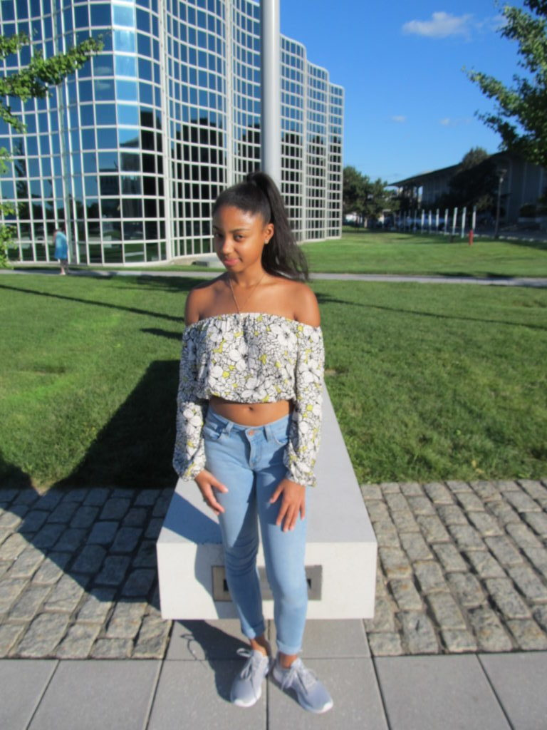 STYLE ADVICE OF THE WEEK: Off the Shoulder First Day