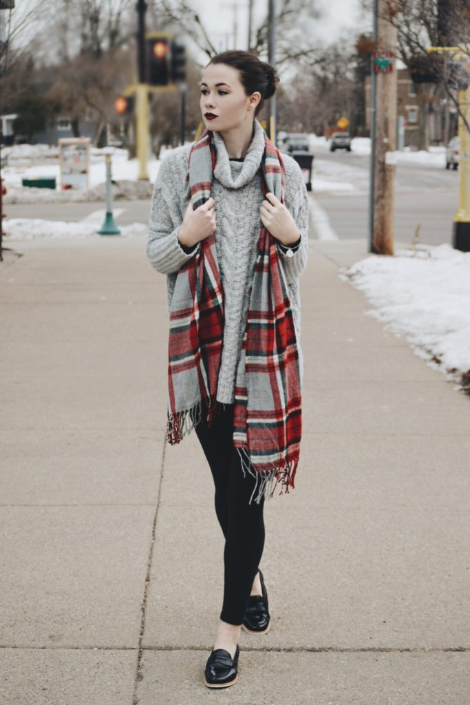 STYLE GURU STYLE: Caught Up in Cable Knit