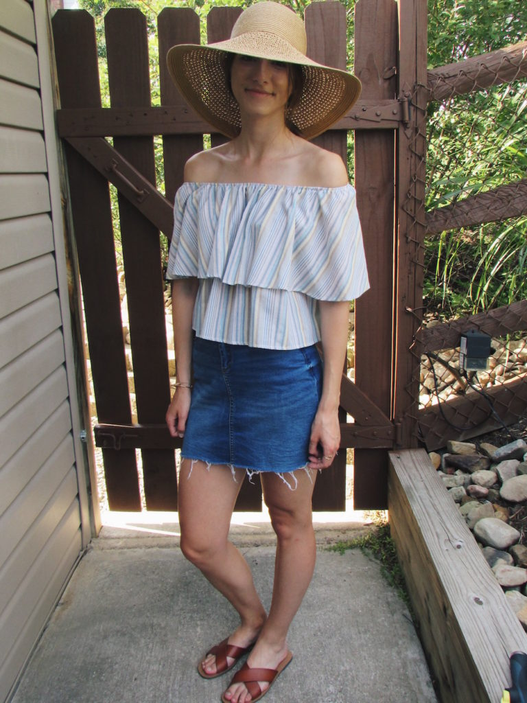 The 3 Steps to Creating a Trendy Off-the-Shoulder Look