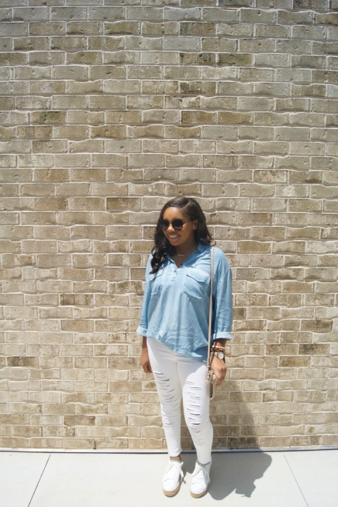 3 Ways to Stand out in White Jeans