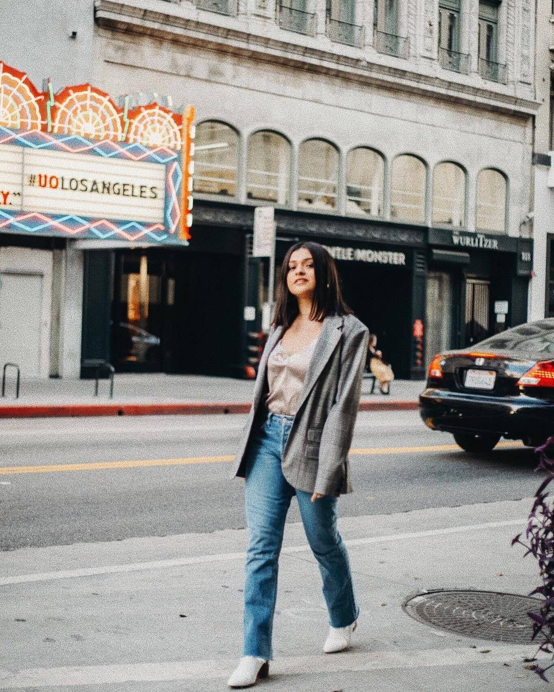 Try This Easy Blazer and Jeans Outfit Idea